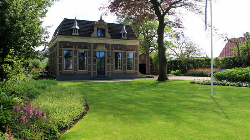 Engelse Landschapsstijl Tuin : Knipoog naar de engelse landschapsstijl lagendijk tuin en